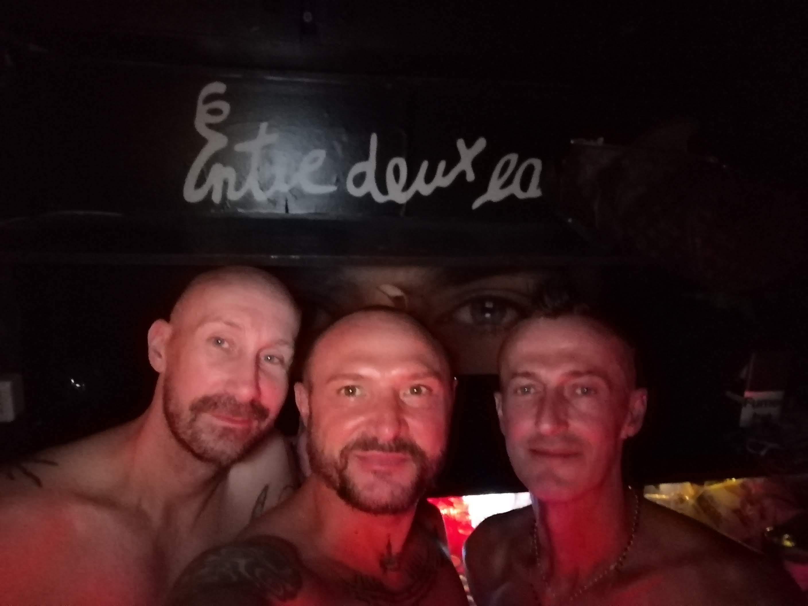 entre-deux-eaux-gay-paris-1
